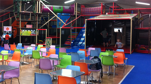 iDANCE LE in leading indoor playground chain in France